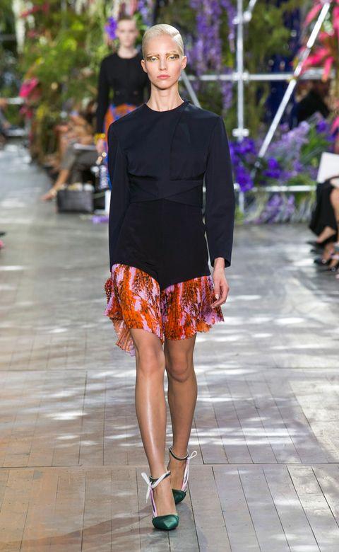 Human leg, Style, Purple, Street fashion, Magenta, Fashion show, Fashion, Beauty, Thigh, Waist,