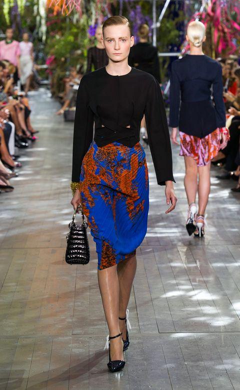 Clothing, Footwear, Leg, Shoulder, Joint, Outerwear, Style, Fashion show, Street fashion, Bag,