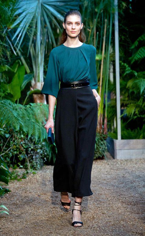 Clothing, Footwear, Green, Sleeve, Shoulder, Joint, Style, Formal wear, Fashion accessory, Waist,
