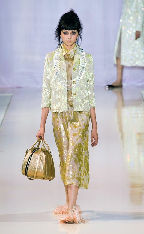 Brown, Yellow, Shoulder, Textile, Bag, Style, Fashion accessory, Fashion show, Luggage and bags, Fashion model,