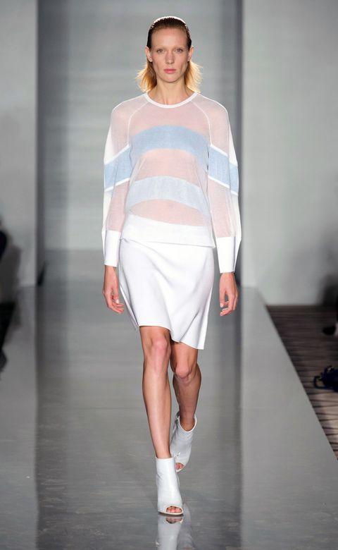 Fashion show, Sleeve, Human leg, Shoulder, Joint, Runway, Style, Fashion model, Knee, Fashion,