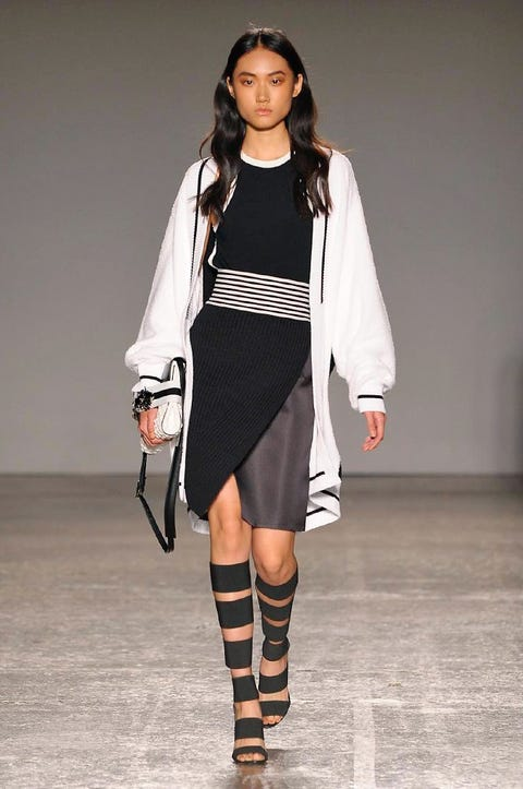Clothing, Sleeve, Shoulder, Fashion show, Joint, Outerwear, Fashion model, Style, Street fashion, Knee,