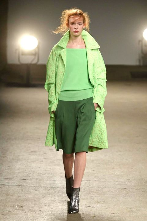 Footwear, Lighting, Sleeve, Outerwear, Fashion show, Style, Runway, Fashion model, Knee, Fashion,