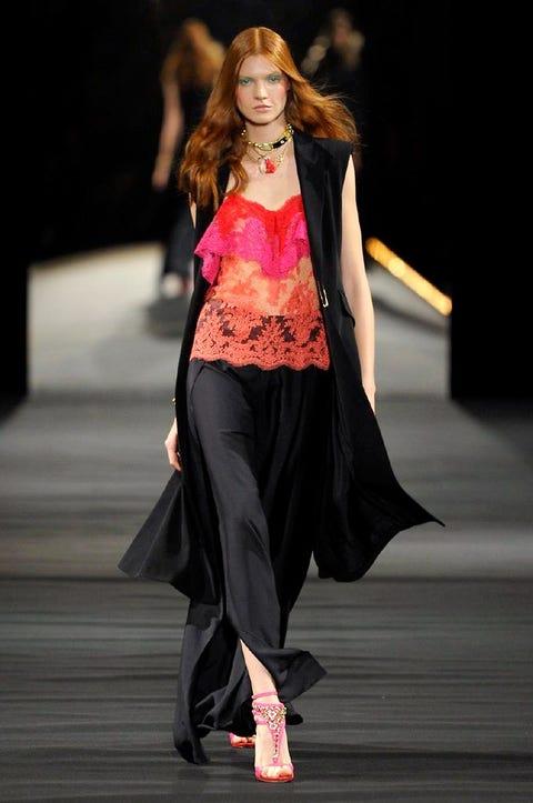 Clothing, Fashion show, Joint, Outerwear, Runway, Style, Fashion model, Fashion accessory, Waist, Fashion,