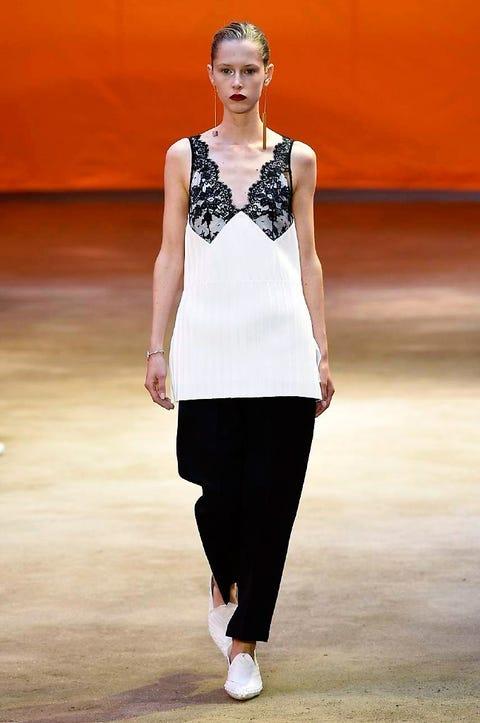 Shoulder, Fashion show, Joint, Waist, Style, Fashion model, Street fashion, Runway, Fashion, Jewellery,