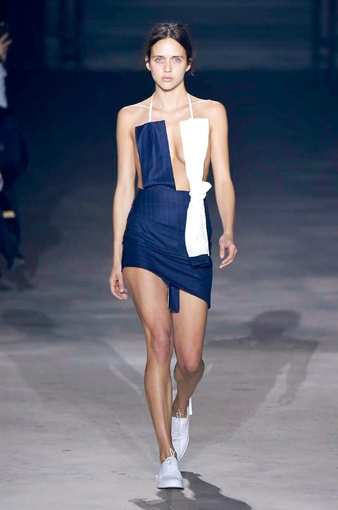 Human leg, Fashion show, Shoulder, Dress, Joint, Waist, One-piece garment, Style, Fashion model, Runway,
