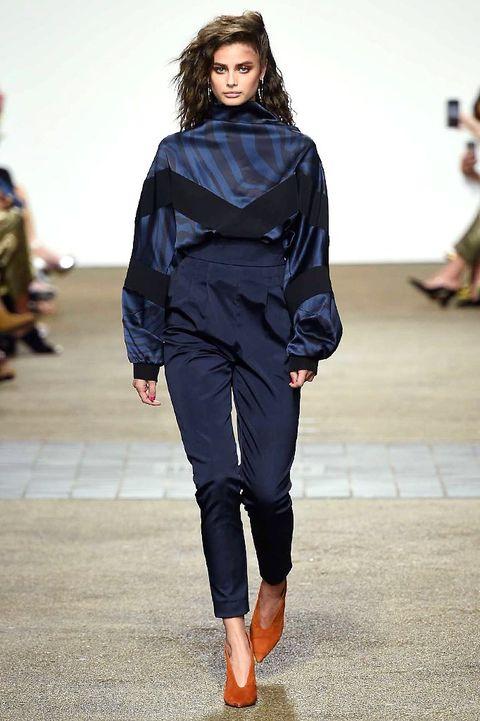 Footwear, Fashion show, Joint, Outerwear, Runway, Fashion model, Style, Fashion, Street fashion, Black hair,