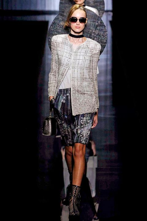 Clothing, Outerwear, Style, Street fashion, Fashion accessory, Fashion model, Sunglasses, Knee, Fashion, Fashion show,