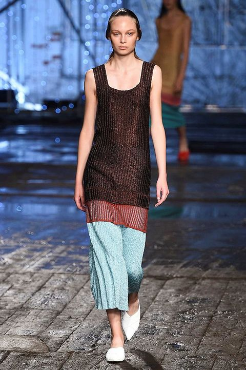 Blue, Shoulder, Joint, Street fashion, Floor, Fashion, Neck, Pattern, Waist, Fashion model,