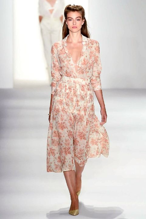 Sleeve, Shoulder, Human leg, Textile, Joint, One-piece garment, Style, Dress, Fashion model, Pattern,