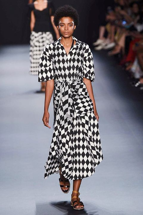 Clothing, Fashion show, Shoulder, Joint, Runway, Fashion model, Pattern, Style, Street fashion, Fashion,