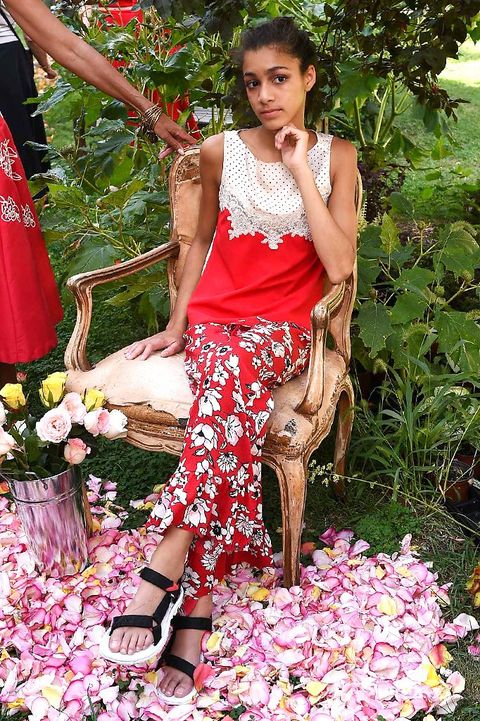 Petal, Red, Pink, Jewellery, Sandal, Spring, Foot, Peach, Bouquet, Cut flowers,