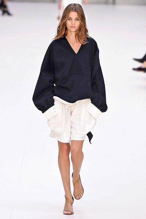 Clothing, Sleeve, Shoulder, Human leg, Joint, Fashion show, Fashion model, Style, Knee, Street fashion,