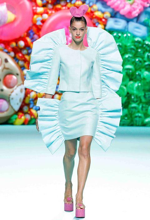 Fashion, Clothing, Yellow, Fashion show, Fashion model, Fashion design, Runway, Fun, Haute couture, Outerwear,
