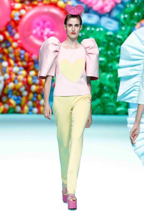 Fashion model, Fashion, Fashion show, Runway, Clothing, Haute couture, Pink, Spring, Summer, Shoulder,