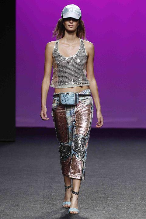 Fashion model, Fashion show, Runway, Fashion, Clothing, Public event, Fashion design, Event, Model, Waist,