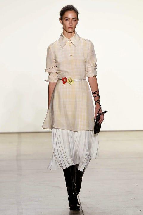Fashion show, Fashion model, Fashion, Runway, Clothing, White, Shoulder, Beige, Fashion design, Dress,