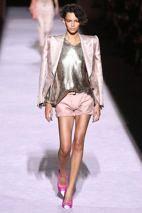 Fashion show, Fashion model, Fashion, Runway, Clothing, Public event, Haute couture, Event, Outerwear, Leg,