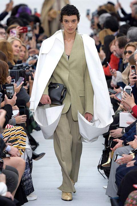 Fashion, Fashion show, Runway, Fashion model, Clothing, Event, Haute couture, Street fashion, Public event, Footwear,