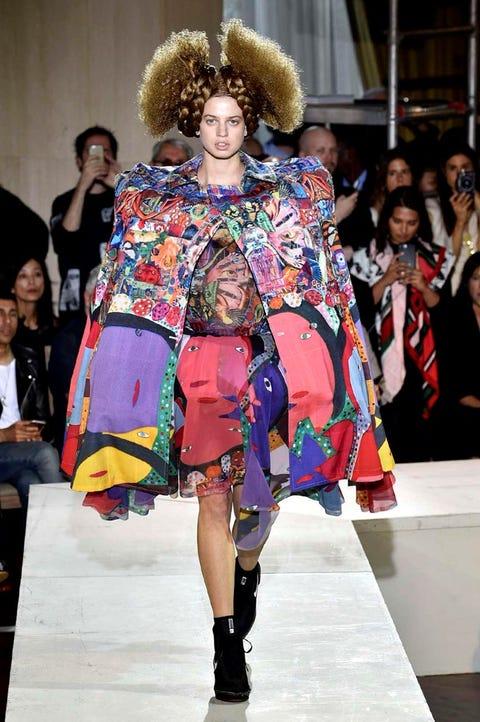 Fashion, Fashion show, Runway, Fashion model, Clothing, Event, Fashion design, Footwear, Fur, Street fashion,
