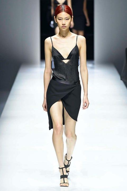 Fashion show, Fashion model, Fashion, Clothing, Runway, Shoulder, Fashion design, Model, Dress, Public event,
