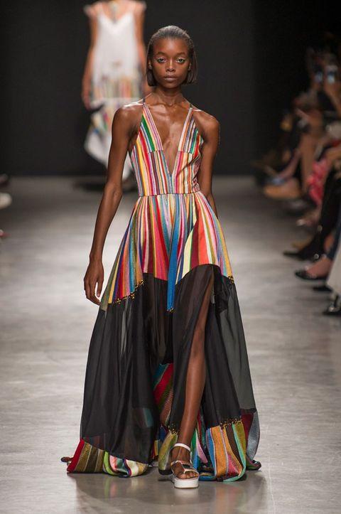 Fashion model, Fashion show, Fashion, Runway, Clothing, Fashion design, Dress, Event, Haute couture, Formal wear,