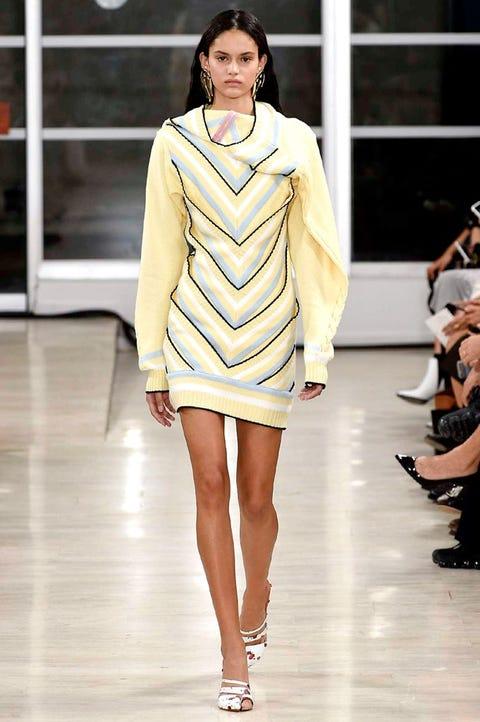 Fashion show, Fashion model, Fashion, Runway, Clothing, White, Beauty, Yellow, Fashion design, Haute couture,