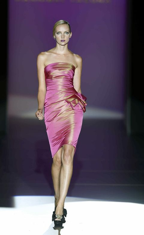 Fashion show, Shoulder, Dress, Joint, Human leg, Runway, Fashion model, Style, Waist, One-piece garment,