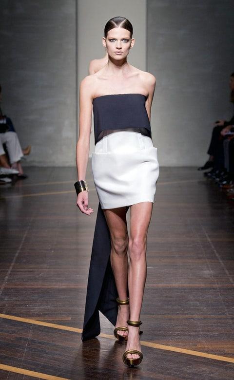 Clothing, Footwear, Leg, Human leg, Shoulder, Joint, Fashion show, Style, Waist, Knee,