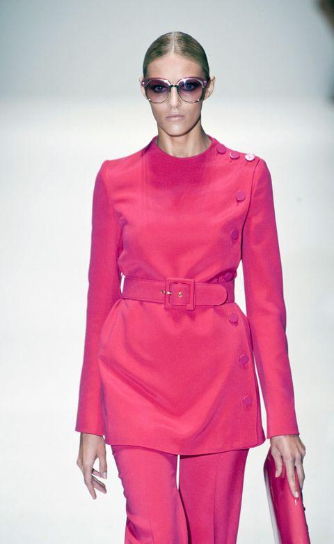 Sleeve, Shoulder, Joint, Red, Style, Fashion show, Fashion model, Waist, Fashion, Magenta,