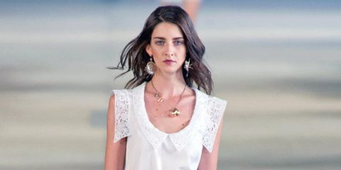 Lip, Jewellery, Skin, Sleeve, Shoulder, Joint, Fashion model, Waist, Fashion accessory, Neck,