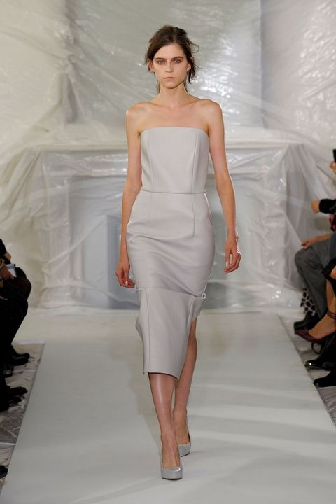 Footwear, Leg, Fashion show, Dress, Shoulder, Joint, Human leg, Runway, Fashion model, Waist,