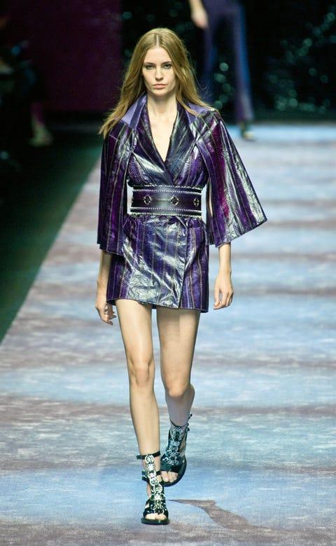 Clothing, Fashion show, Shoulder, Human leg, Joint, Runway, Outerwear, Fashion model, Style, Street fashion,