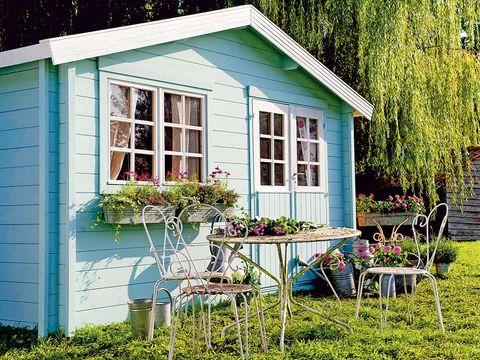 caseta de jardín de madera en color azul