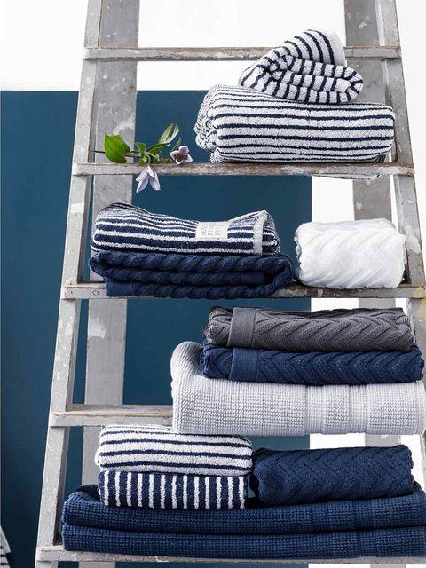 Room, Towel, Textile, Linens, Furniture, Tire,