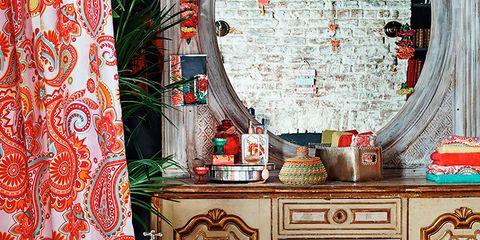 Interior design, Room, Floor, Bathtub, Wall, Drawer, Flooring, Interior design, Cabinetry, Plumbing fixture,