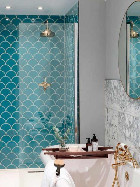 Bathroom, Blue, Tile, Room, Aqua, Turquoise, Wall, Green, Property, Teal,