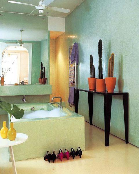Lighting, Room, Interior design, Floor, Property, Flooring, Wall, Plumbing fixture, Ceiling, Interior design,