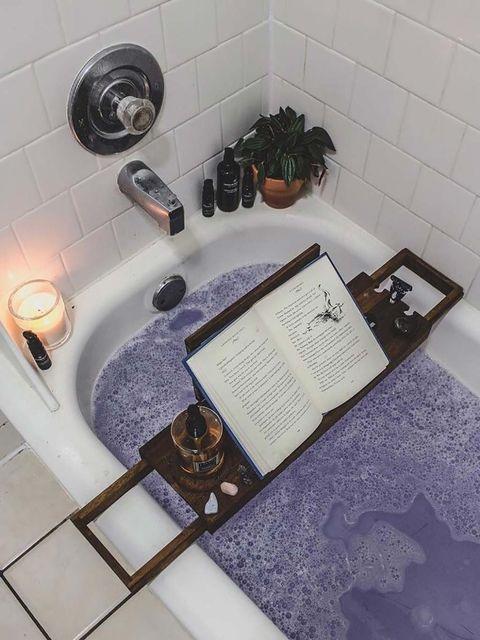 Tile, Room, Bathroom, Plumbing fixture, Material property, Flooring, Floor, Bathroom accessory, Interior design, Plant,
