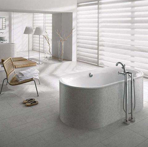 baño moderno con bañera exenta cetus