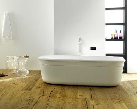 muebles de baño epoque con bañera exenta y lavamanos de encimera de krion stone