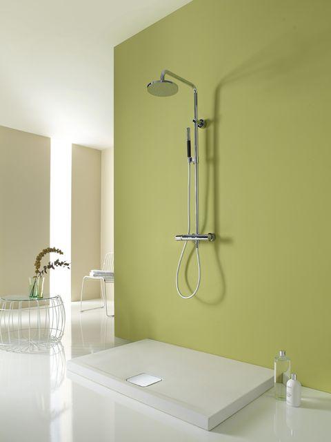 Room, Plumbing fixture, Wall, Shower head, Floor, Glass, Fixture, Bathroom accessory, Bathtub accessory, Shower bar,