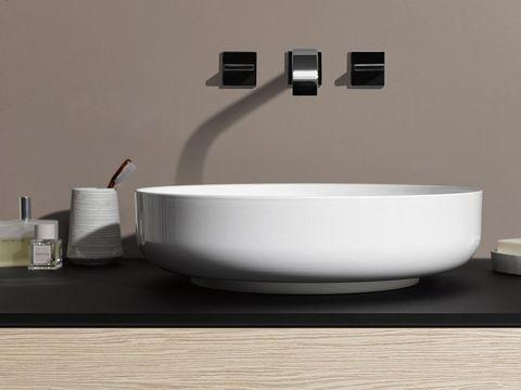 Product, Dishware, Serveware, Rectangle, Plumbing fixture, Ceramic, Porcelain, Cable, Composite material, Light fixture,