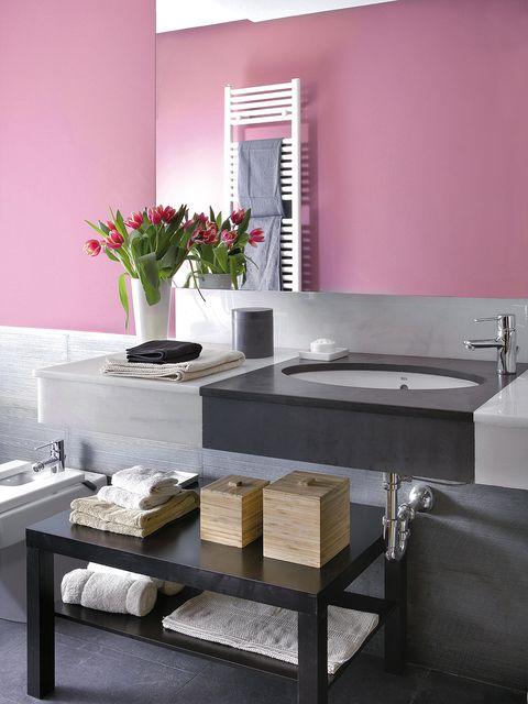 Room, Interior design, Property, Wall, Interior design, Grey, Artifact, Rectangle, Plumbing fixture, Composite material,