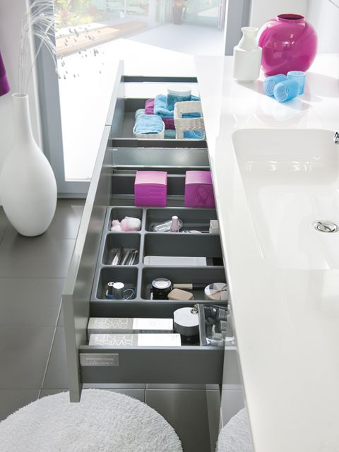 Pink, Magenta, Gloss, Material property, Plastic, Display case, Shelving, Bathroom, Transparency,