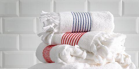 Textile, Wall, White, Linens, Grey, Towel, Creative arts, Cushion, Household supply, Brick,