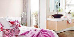 Un precioso baño integrado al dormitorio