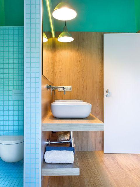 Plumbing fixture, Room, Wood, Floor, Interior design, Flooring, Property, Architecture, Bathroom sink, Wall,