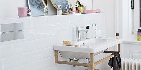 Product, Room, Property, Interior design, Floor, Wall, Flooring, Shelving, Bathtub, Plumbing fixture,