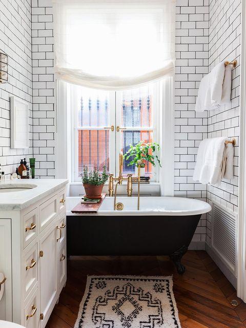 Bathroom, Room, Tile, Interior design, Property, Floor, Furniture, Home, Wall, Flooring,